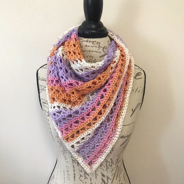 easy shawl crochet pattern displayed on a torso